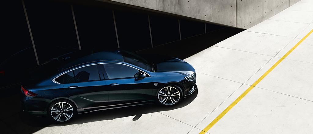 Opel_Insignia_GS_Exterior_1024x440_ins18_e01_002